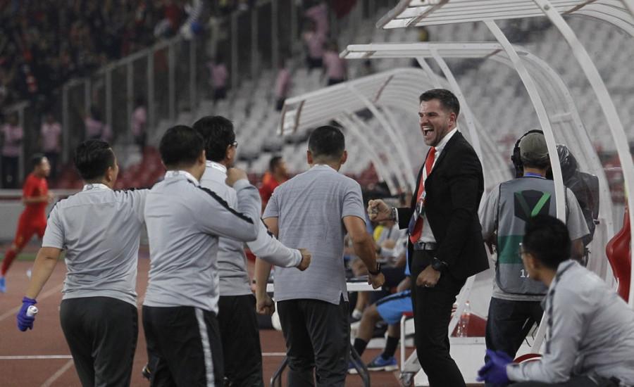 Manajer Timnas Indonesia Beri Sinyal Simon McMenemy Akan Mundur
