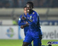 Media Inggris Sebut Persib Bandung Lecehkan Essien