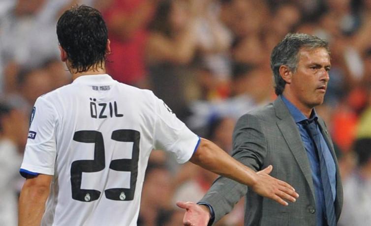 Pahit Manis Hubungan Mesut Ozil dan Jose Mourinho di Real Madrid