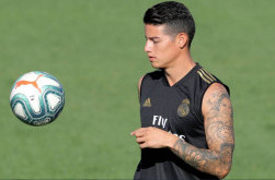 Legenda Real Madrid Minta James Rodriguez Bertahan di Santiago Bernabeu