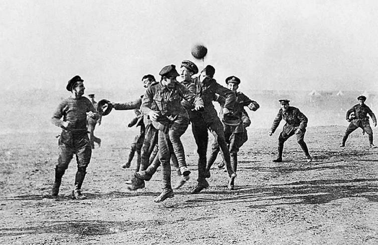 Keajaiban Hari Raya Natal dan Sepak Bola di No Man's Land pada Perang Dunia I