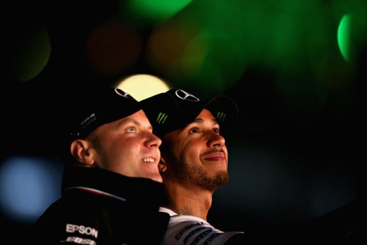 Mercedes Berikan Kesempatan Sama untuk Hamilton dan Bottas Bersaing Jadi Juara Dunia
