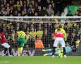 Bendung Dua Penalti Manchester United, Tim Krul Catatkan Statistik Mentereng