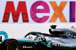Lewis Hamilton Sebut Kejar Rekor Juara Dunia Michael Schumacher Sebuah Kekonyolan