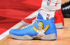 NBA Longgarkan Aturan Warna Sepatu