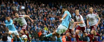 Libas Burnley 3-0, Man City Jauhi MU