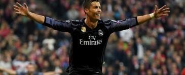 Cristiano Ronaldo Catatkan Gol ke-100 di Kompetisi Eropa