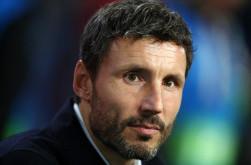 Mark van Bommel Berambisi Rebut Kursi Pelatih AC Milan dari Stefano Pioli