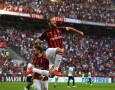 Gonzalo Higuain Terima Kedatangan Zlatan Ibrahimovic dengan Tangan Terbuka