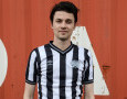 James Bay, Fans Newcastle United dan Pengoleksi Jersey