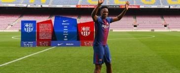 Ini Alasan Mina Tanpa Alas Kaki Saat Menginjak Rumput Camp Nou