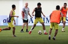 Jelang Hadapi Bhayangkara FC, Pelatih Mitra Kukar Curhat soal 'Mitos' Laga Kandang di Indonesia