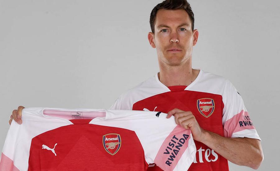 Resmi, Stephan Lichtsteiner Jadi Rekrutan Pertama Unai Emery di Arsenal