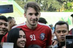 Selamat dari Pencoretan, Pavel Smolyachenko Enggan Mengecewakan Lagi di Arema FC
