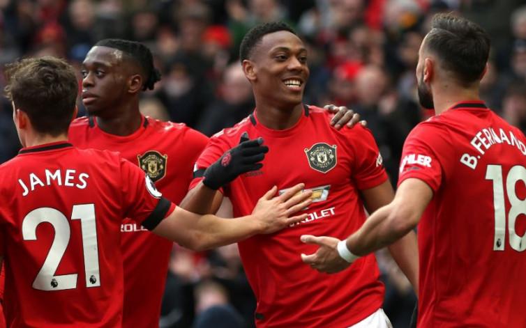 Manchester United Beruntung Bertarung di Empat Besar Premier League