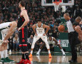 Final Wilayah Timur NBA Playoff 2019: Giannis Bawa Bucks Unggul 2-0