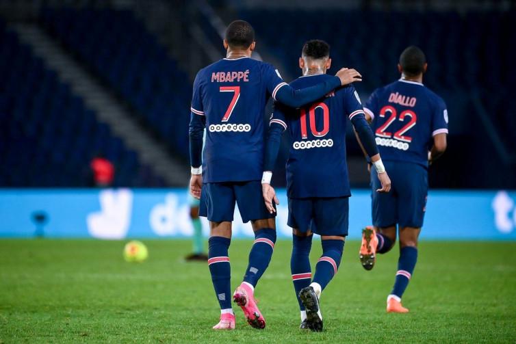 Jelang Lawan Manchester United, PSG Cuma Punya 13 Pemain