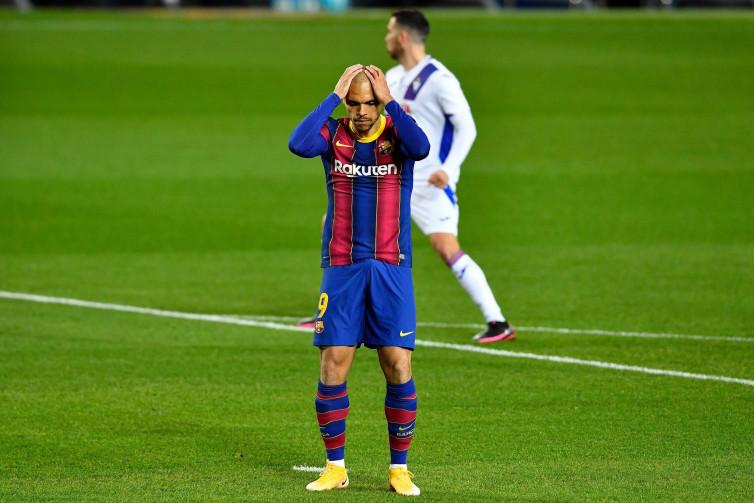 Jika Messi Ingin Pergi, Braithwaite Mati-matian Bertahan di Barcelona