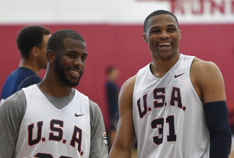 Rockets Relakan Chris Paul demi Russell Westbrook