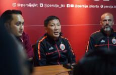 Ferry Paulus Sedang Cari Solusi Atasi Keroposnya Lini Belakang Persija Jakarta