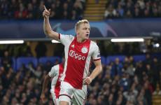 5 Kesuksesan Pemain Belanda di Manchester United yang Bisa Diikuti Donny van de Beek