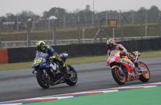 Valentino Rossi Tutup Pintu Maaf untuk Marc Marquez