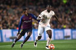 Raiola Minta Solskjaer Tak Memaksa Pogba Bertahan di Manchester United