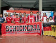 """We Are Standing Only For Bayern Muenchen"" Strassenjungen Indonesien"